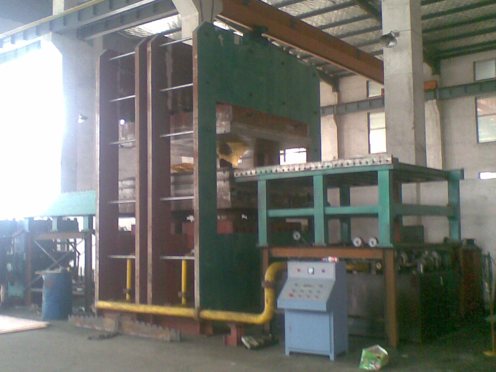 Plate Rubber Vulcanizing Press With Workbench