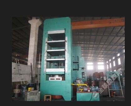 Rubber Press for forklifts solid tires